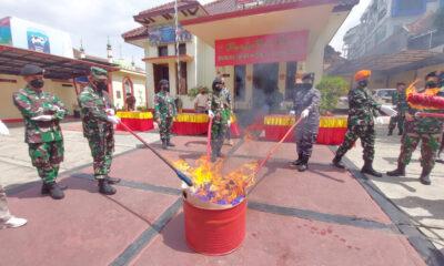 Oditurat Militer (Otmil) II-08 Bandung Oditur Jenderal TNI Marsda memimpin pemusnahan barang bukti yang digunakan untuk kejahatan