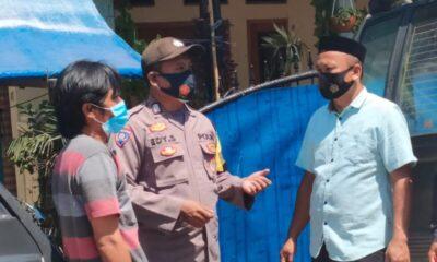 Aiptu Aan Suhendi selaku Ka SPKT piket pelayanan Polsek Pandeglang melaksanakan Operasi Yustisi dalam rangka upaya sosialisasi
