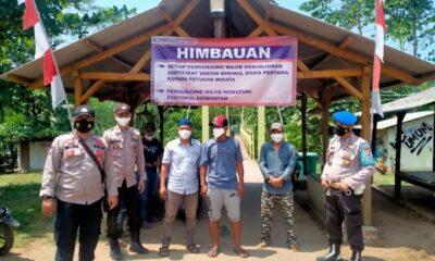 Dalam rangka antisipasi lonjakan wisatawan ke Pantai Sawarna dan Pantai Pulomanuk, personil Polsek Bayah melaksanakan pengamanan