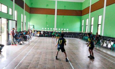 Dalam rangka memperingati HUT ke 61, Karang Taruna Kecamatan Sobang mengadakan kegiatan Turnamen Badminton bertempat di Gedung Olah Raga Guru