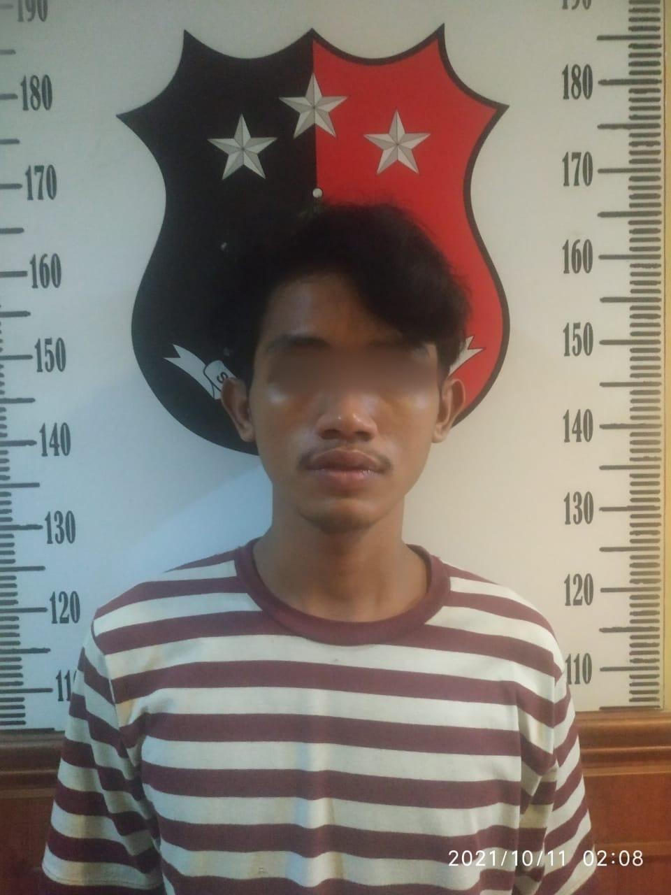 Seorang Pemuda berinisial DA (20) warga Jln. Pekapuran Raya Tanah Sereal Tambora Jakarta Barat berhasil diamankan Polsek Tambora
