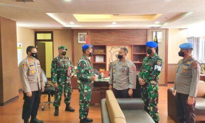 sinergitas antara TNI dan Polri, Danpomdam I/BB mengunjungi Polda Sumatera Barat (Sumbar) yang disambut hangat oleh Wakapolda Sumbar
