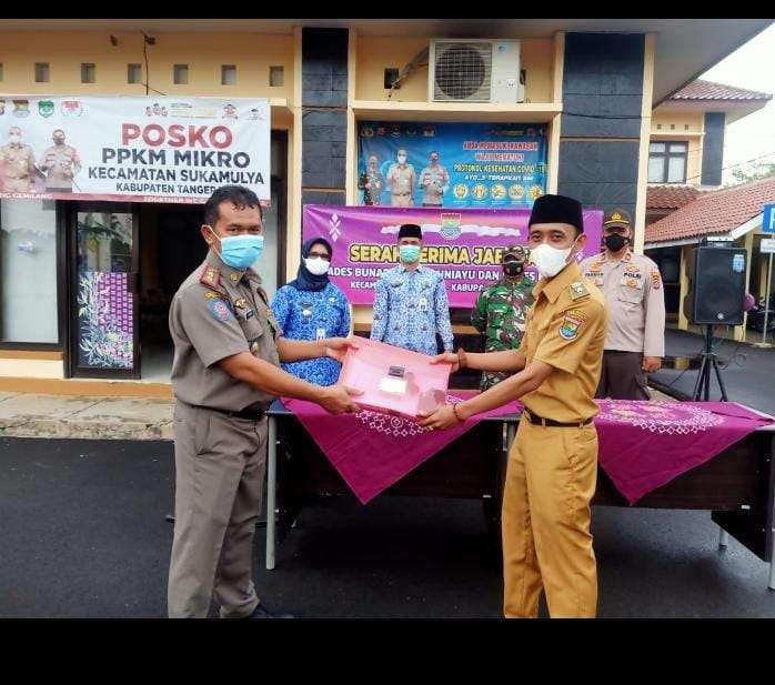 Bupati Tangerang Ahmed Zaki Iskandar melantik dan mengambil sumpah atau janji pengangkatan 77 kepala desa di 26 Kecamatan