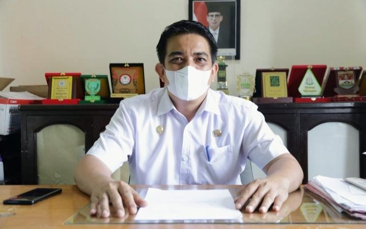 Plt Kadis Komunikasi dan Informatika Kabupaten Aceh Timur, Nauli, mengajak seluruh lapisan masyarakat untuk ikut menyukseskan program vaksin