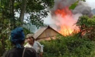 kebakaran yang menghanguskan permukiman warga Kampung Pasir Wuni Badui luar Cikeusik Desa Kanekes Kecamatan Leuwidamar Kabupaten Lebak
