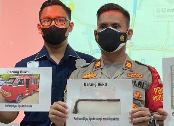 Polsek Kalideres dibantu Tim Jatanras Polres Metro Jakarta Barat berhasil meringkus IS terduga pelaku penganiayaan di dalam angkot